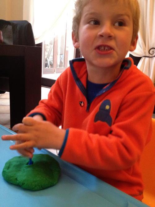 Playdough - Colouring